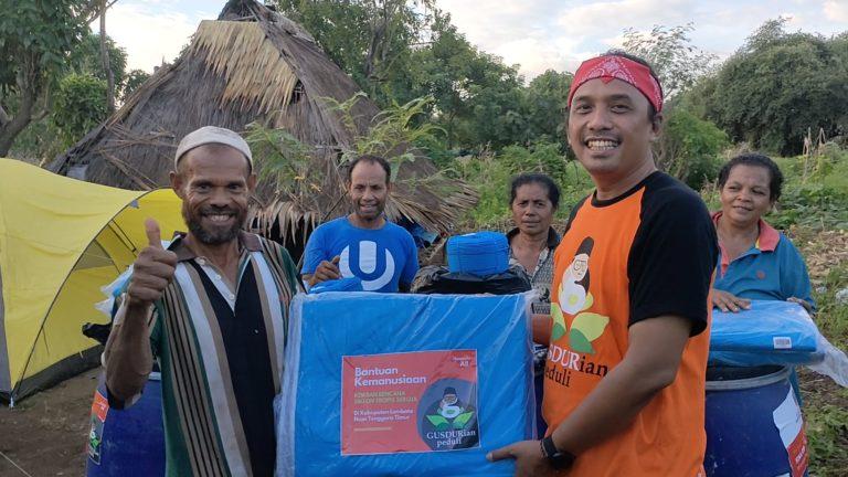 GUSDURian Peduli Salurkan Bantuan untuk Pengungsi Badai Siklon di Lembata